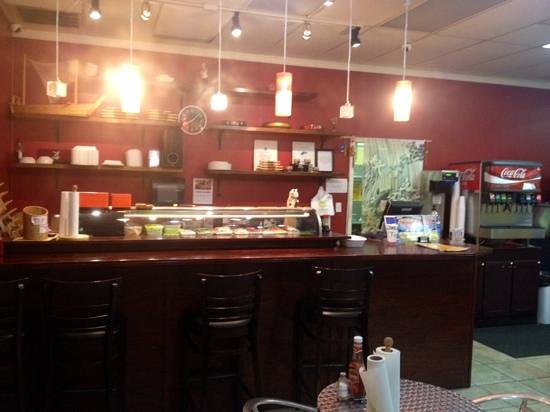 Bayou Fresh Seafood and Deli: bar