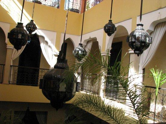 Riad Suliman : Sala główna