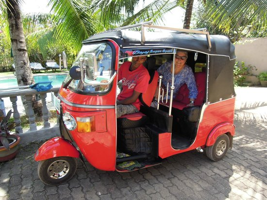 Asian Jewel Boutique Hotel: Chamindra and his excellent tuktuk
