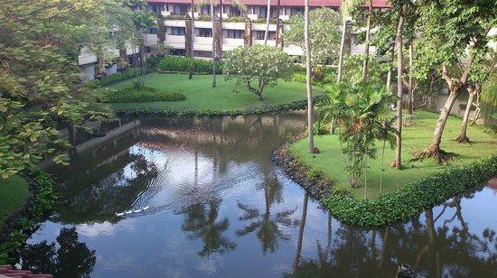 INTERCONTINENTAL Bali Resort : 中庭にあたるばしょでしょうか。