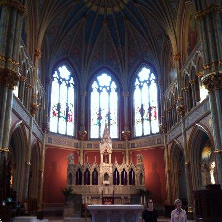 Cathédrale Saint-Jean-Baptiste : Alter