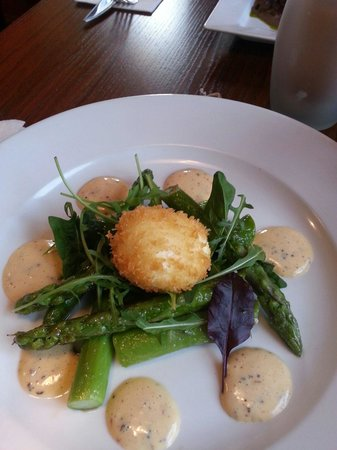 The Little Blue Orange: Asparagus and egg starter.