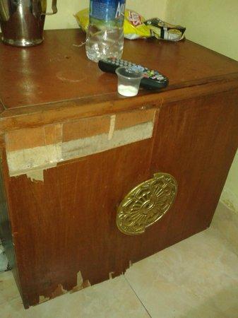 MTDC Holiday Resort Mahabaleshwar: Side table - 1