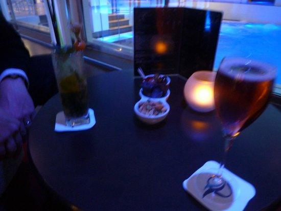 Hotel Oceania Paris Porte de Versailles : Depuis le bar