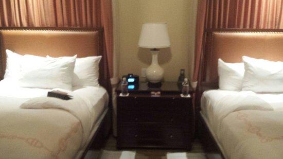 Salamander Resort & Spa: they put mini pecan scones on bedtable
