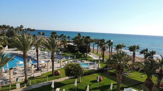 Louis Ledra Beach : View from room towards beach bar