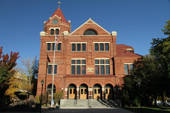 In A Short 2 5 Mile Walk Through The Carson City Historic District