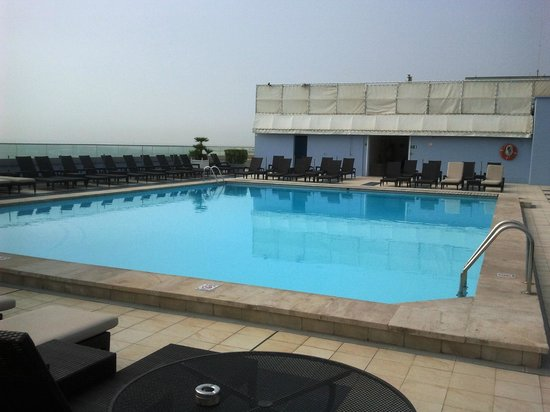 Radisson Blu Hotel, Nice : Piscine au 7 éme etage