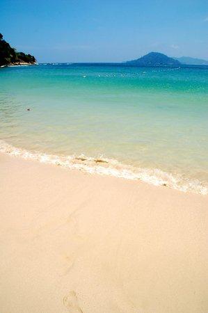 Gaya Island Resort: Private Beach