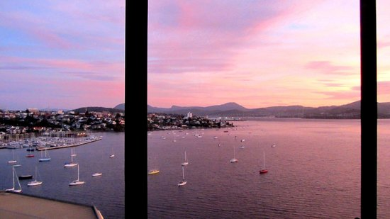 Wrest Point : Sunrise at Sandy Bay from Room 2013