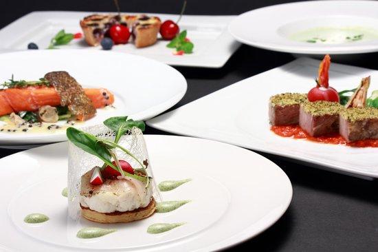 Kita-karuizawa Highland Resort Hotel: 旬の食材を使用した「ディナー」