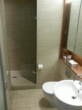 Apex City of London Hotel: bathroom