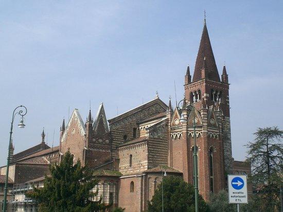 Chiesa di San Fermo: esterno