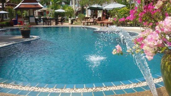 The Pe La Resort: Hotel Pool
