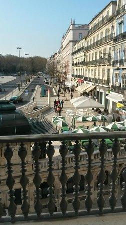 Altis Avenida Hotel : Ausblick aus Zimmer mit Balkon