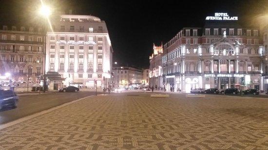 Altis Avenida Hotel: Hotelansicht bei Nacht