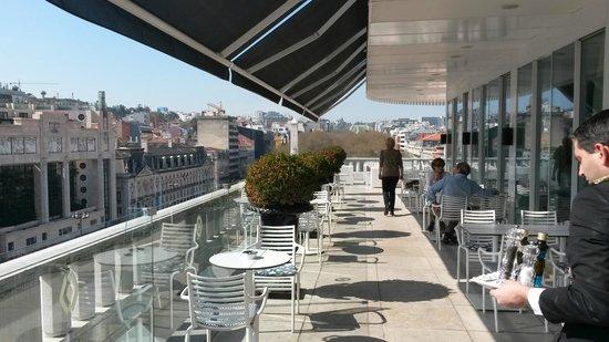 Altis Avenida Hotel : Dachterasse mit Restaurant