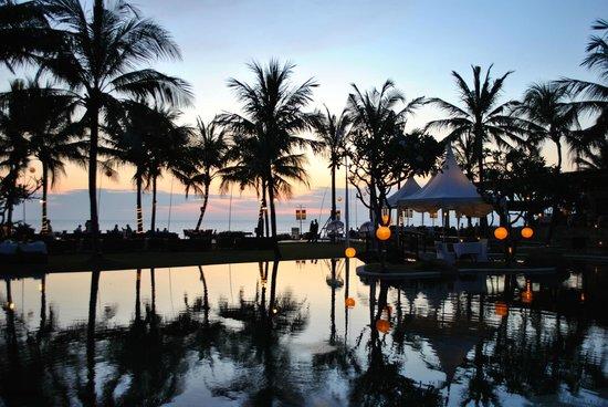 The Samaya Bali Seminyak : The Samaya @ night ...
