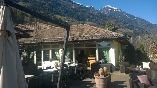 Quellenhof Sport & Wellness Resort: Dachterrasse Bistro