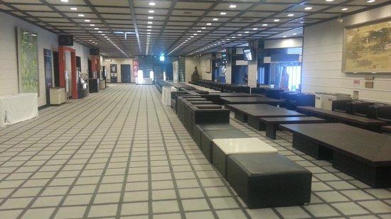 National Bunraku Theater: 2階ロビー