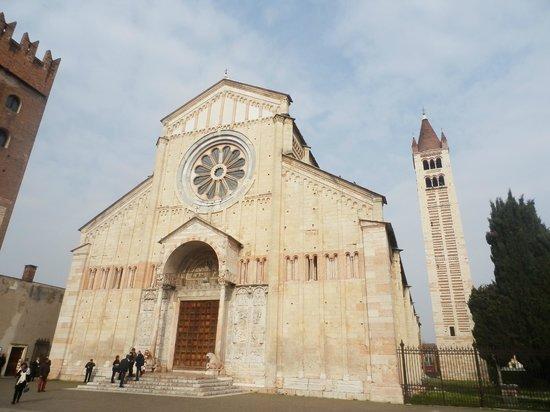 Basilica di San Zeno Maggiore: veduta esterna