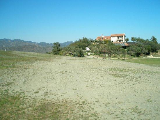 Vikla Golf Club: Club house at hole 16.