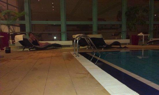 Panorama Hotel Prague : la piscine au 25ème étage