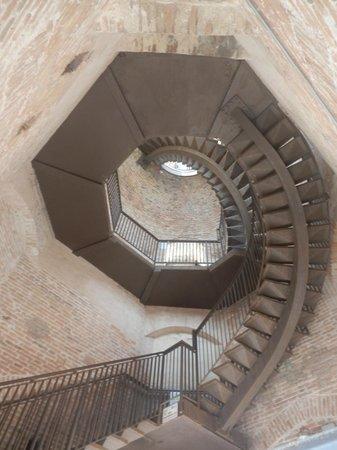 Torre dei Lamberti: scalinata