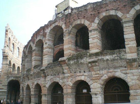 Arena di Verona: laterale sx