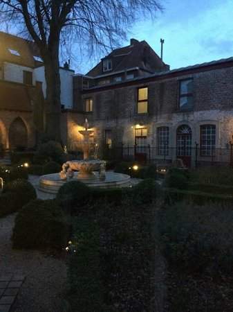 Hotel Jan Brito : Fantastisk hage