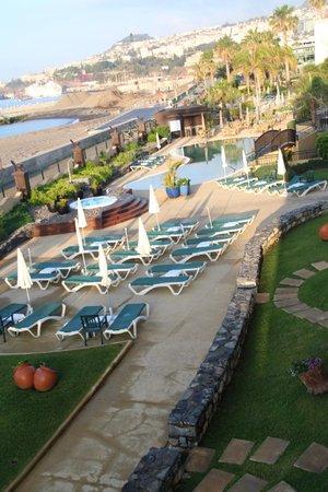 Porto Santa Maria Hotel: Pool area with outdoor hot tub