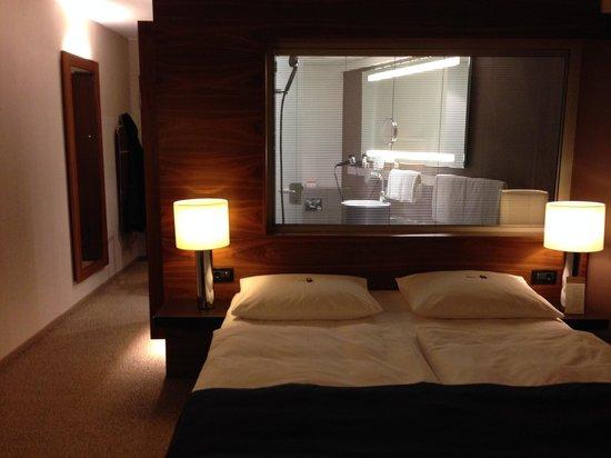 Mövenpick Hotel Hamburg: klasse Zimmer