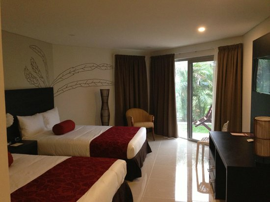 Tanoa Waterfront Hotel: Executive Double Room
