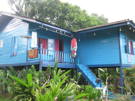 Borneo Seahare Guesthouse: village house on the bike tour