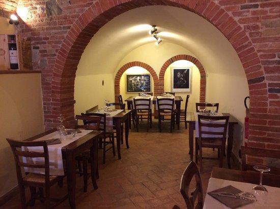 Borgo Buio Officina del Gusto : Interni