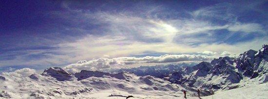 Breuil-Cervinia Ski Area: Panorama...