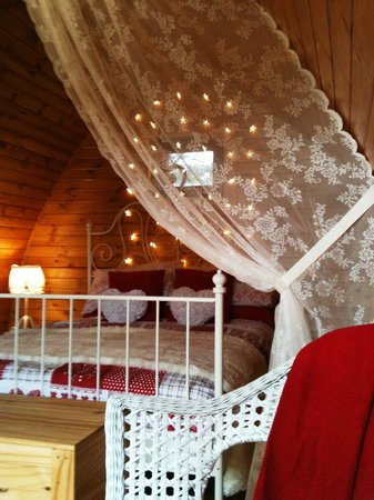 Wild Atlantic Camp : Our Just for Two pod is unashamedly romantic