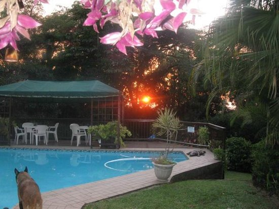 Mdoni House Guest Lodge: Sunrise