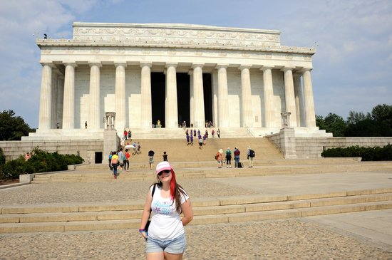 Lincoln Memorial : Me in front of The Washington Monument.