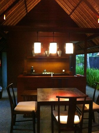 Kayumanis Jimbaran Private Estate & Spa: Kitchen area
