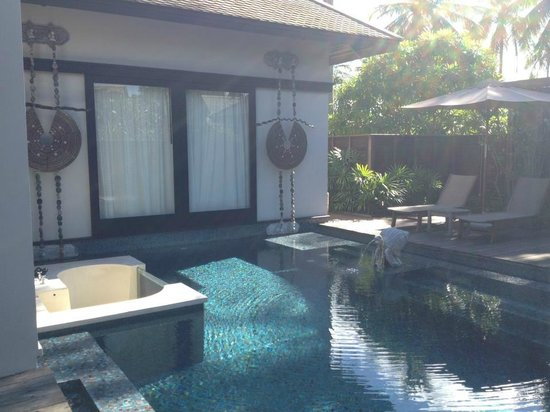 Anantara Mai Khao Phuket Villas: First thing we see when we walk in