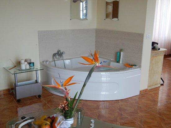 Apartamentos Estrella del Norte: Jacuzzi bath lovely