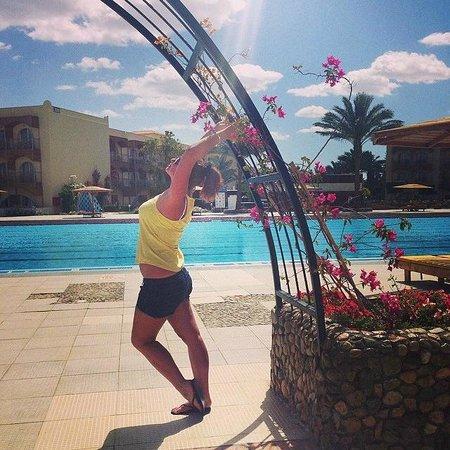 Desert Rose Resort: *****