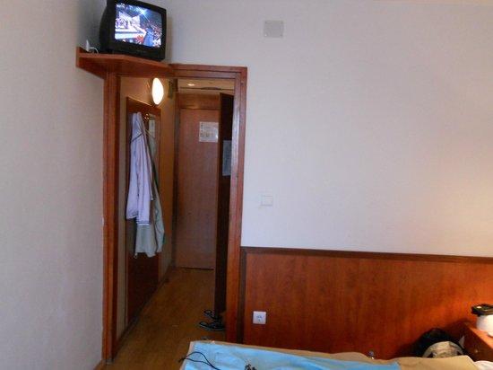 Aurora Hotel: Pokój