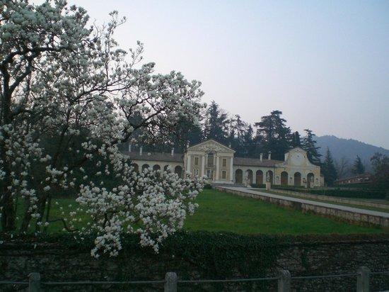 Villa Barbaro: veduta esterna