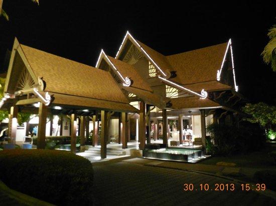 Amari Koh Samui : Hotel at night