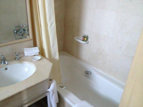 Great World Serviced Apartments Bath Tub