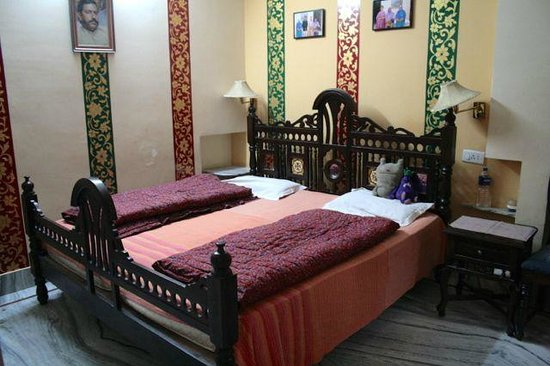Chandra Niwas Guest House: Chandra Niwas Guesthouse room 102