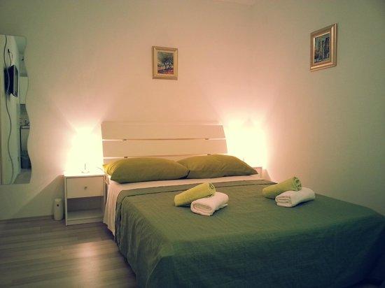 Agora Central Rooms: Room