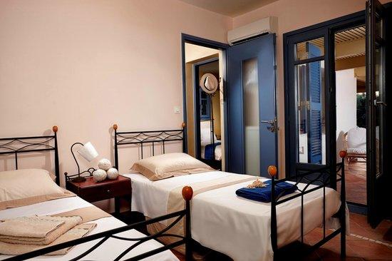 twin Bedroom Villa Blue